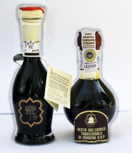 Traditional_Balsamic_Vinegars_of_Modena_(right)_and_Reggio_Emilia_(left)