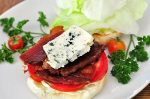 blt_sandwich_with_blue_cheese